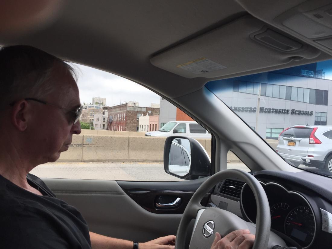 Hrdinný šofér Jirka zdolává nástrahy Brooklynu